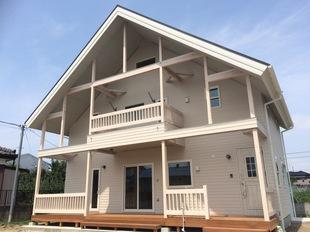 【カリフォルニアSTYLE】 素敵なライフスタイルを守る、自然素材でいっぱいの高性能住宅
