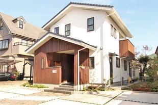 JAZZが流れる寛ぎの空間と、機能性をデザインする流麗フォルムの和(なごみ)の家。